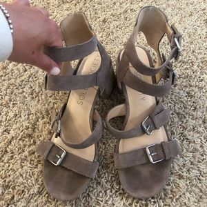 Sole Society wedged sandals size 9